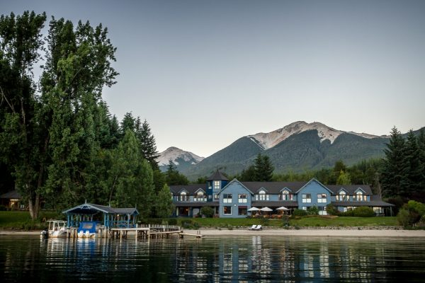 Luxury lakeside hotel in Argentinean Patagonia